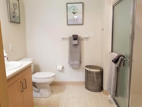 Gallery Image Bathroom_1.jpg