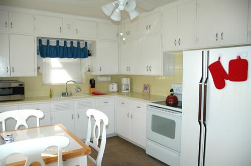 Cottages by the Ocean 1/1 kitchen