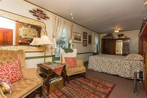 Saratoga Room