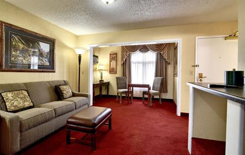 Lawn View Suite King