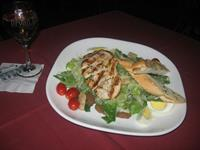 Gallery Image Caesar_Salad_with_chicken.jpg