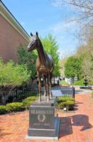Seabiscuit Statue
