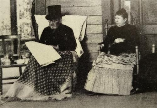 Gallery Image Ulysses_and_Julia_at_Grant_Cottage_1885.jpg