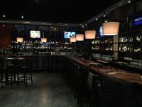 2 West Bar and Grille
