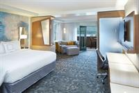 Suite: 1 King Bed, Lake view, Balcony