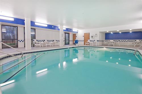 Gallery Image indoor-pool-2-4347.jpg