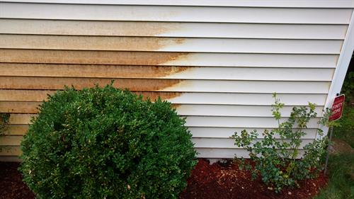 Rust removal from siding