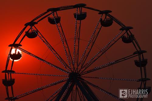 Gallery Image photojournalism-sunset-ferris-wheel-hermiston.jpg