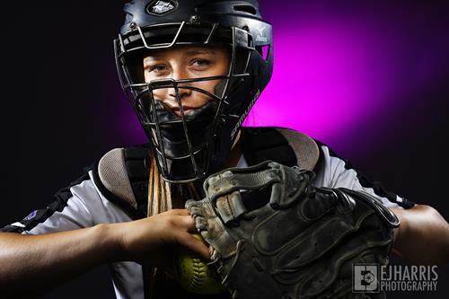 Gallery Image sports-portrait-softball-catcher-high-school-senior.jpg