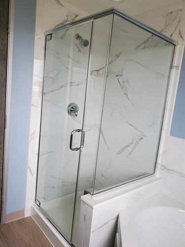 Gallery Image Shower_Tub.JPG