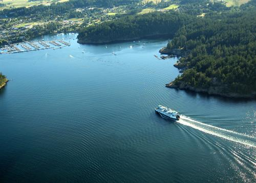 ferry comes into Friday Harbor by RJ