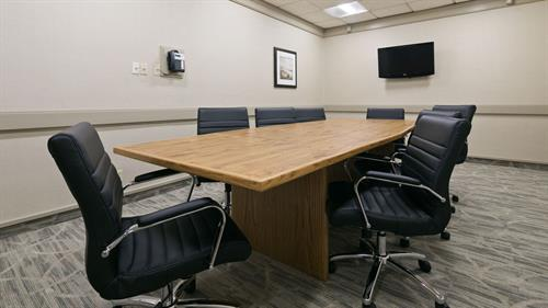Boardroom (325 sq ft)
