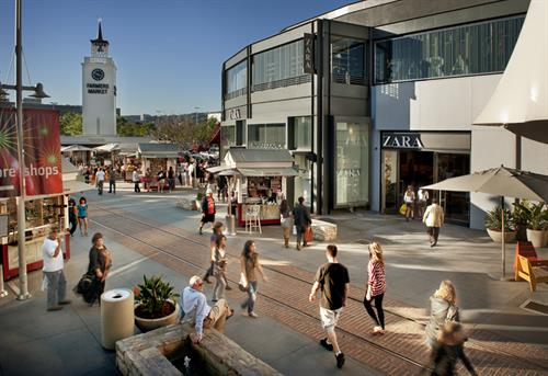 Farmers Market Plaza