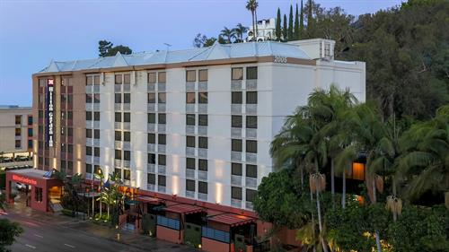 Exterior of the Hilton Garden Inn Hollywood