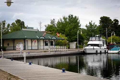 Gallery Image Lakefield_Marina_July_2011.jpg