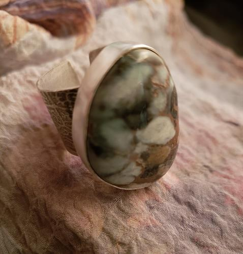 Newlander Turquoise adjustable ring