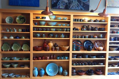 Maple Run Emporium Artisan Gallery - Local Pottery