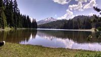Hiking at Todd Lake - Cascade Lakes