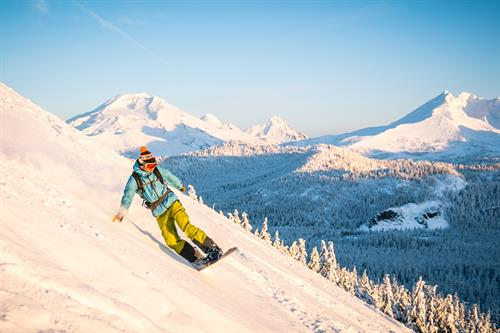 Gallery Image mt-bachelor-snowboarding-cone-featured.jpg