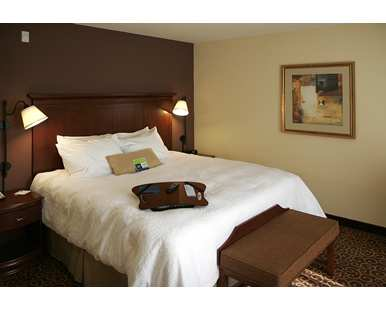 Gallery Image Hampton_Inn_and_Suites_Rifle_KXTD_386x310_FitToWidth_Center.jpg