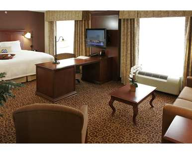 Gallery Image Hampton_Inn_and_Suites_Rifle_KXTO_386x310_FitToWidth_Center.jpg