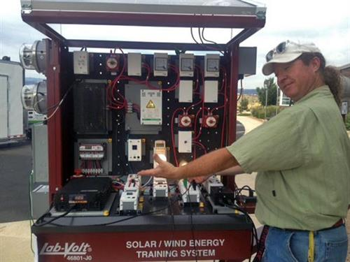 Solar Mobile Lab Station