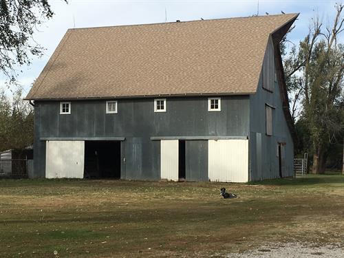 Heartland Farm 100 Year Old Barn
