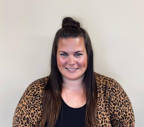Chelsi Holinde, Customer Service Representative
