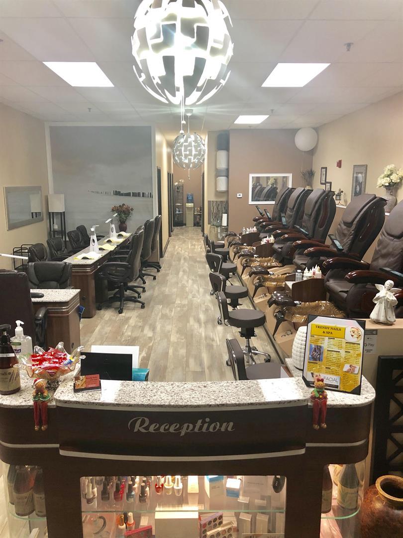Main Nail Salon