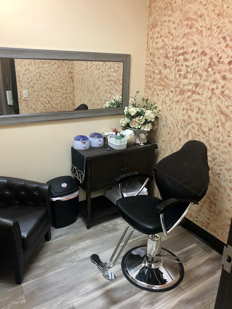 Nail Salon Full Waxing Private Room