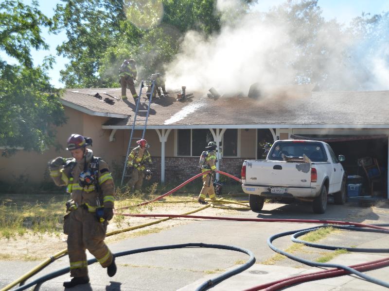 Gallery Image fireman_housefire.jpg