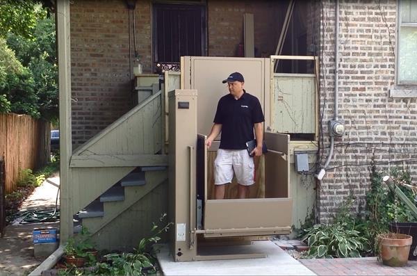 Porch lift