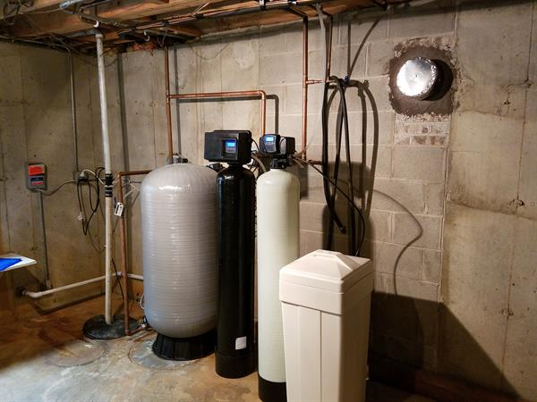 Whole Home Water softener, Carbon filter, chemical free iron remover and new well bladder tank