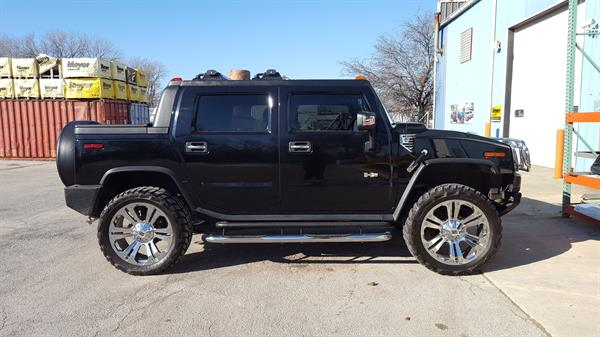 Hummer H2 With Leveling Kit Installed