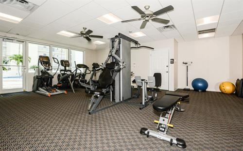 Gallery Image crescent-royale-gym02.jpg