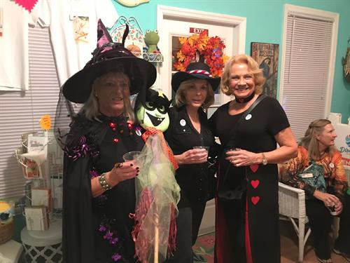 Dress Up For The Haunted Sarasota Ghost Tour Fridays at 8PM