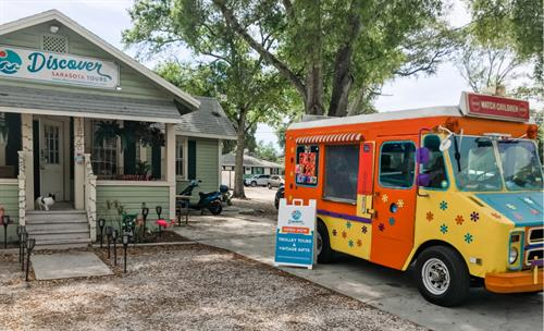 FREE Parking, East to Get to, Cute Gift Shop & Vintage Ice Cream Truck for Treats!