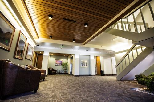 Lakewood Place - Lobby