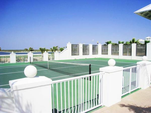 Tennis Courts at The Shores