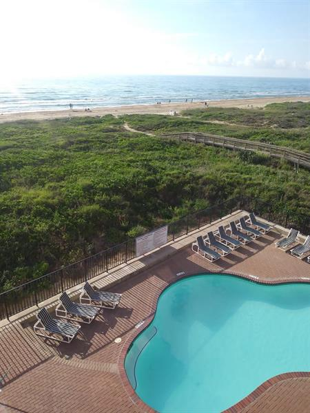 Your Choice, the Infinity Waters of South Padre or our Sparkling Pool?