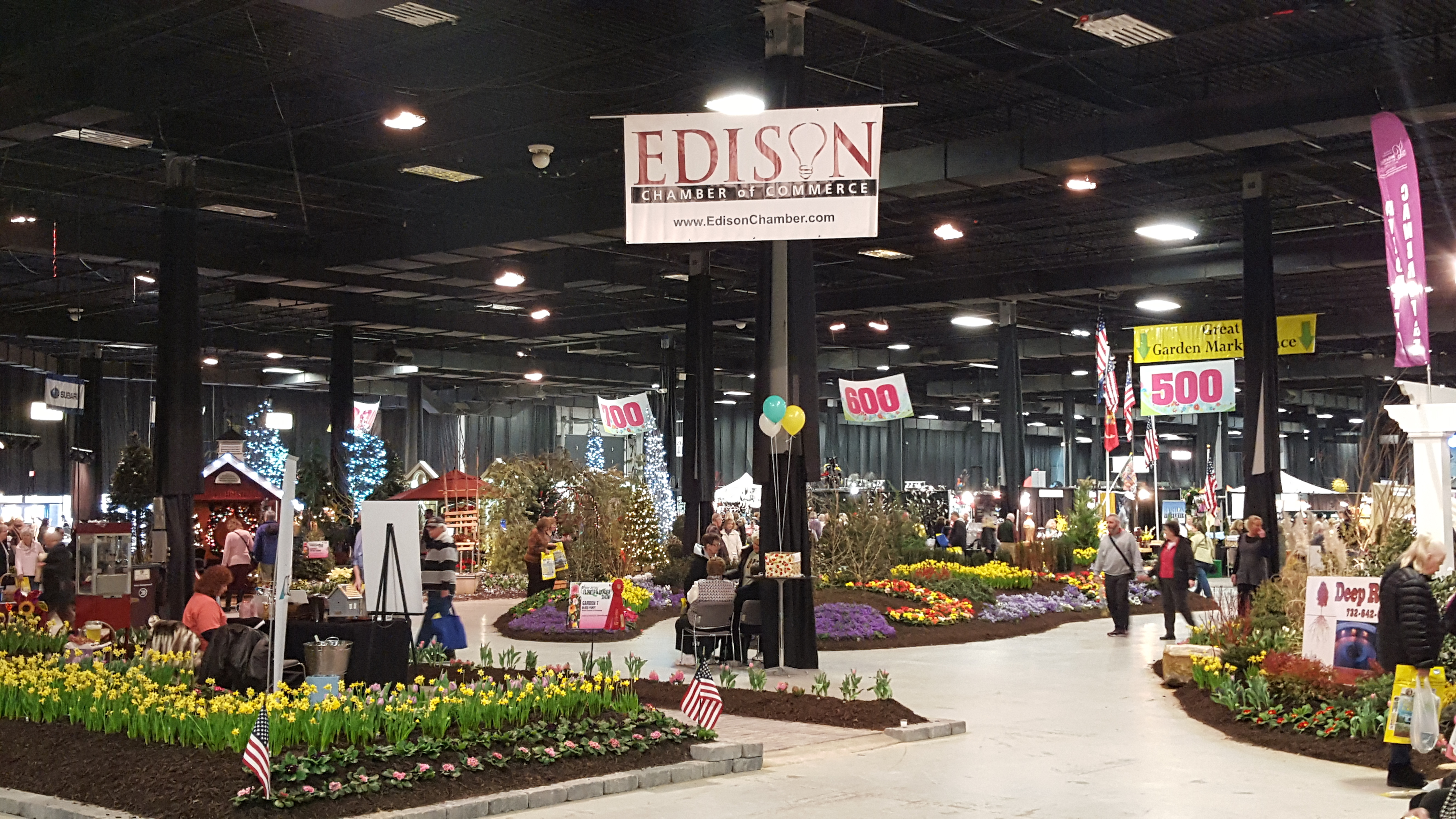 Edison Chamber Takes 2nd Place At The NJ Flower Show