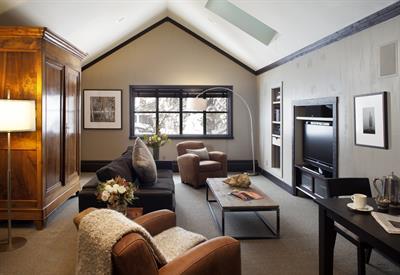 Gallery Image Penthouse_Living_Area.jpg