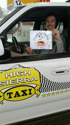 High Sierra Taxi supports project Mana in a food drive for the holidays