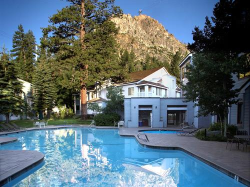 Squaw Valley Lodge summer swimming pool