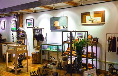Gallery Image Riverside_Studios_displays.jpg