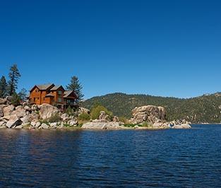 Gallery Image Lakefront_Tahoe_Home_small_pe.jpg