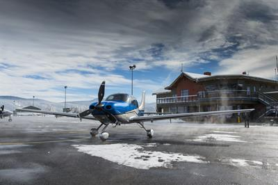 Mountain Lion Aviation - Truckee-Tahoe Airport