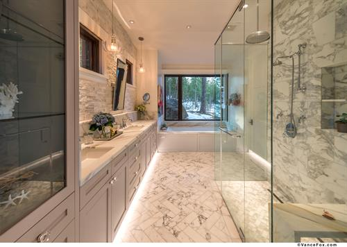 Luxurious Mountain Transitional Master Bathroom