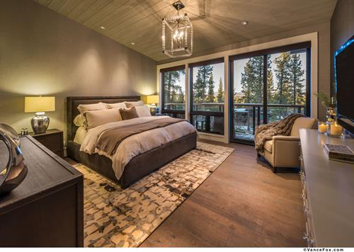 Mountain Transitional Jr. Master Bedroom
