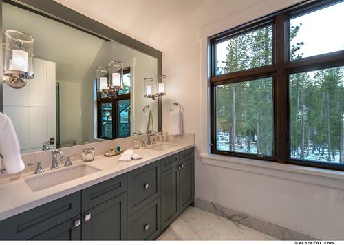 Mountain Transitional Guest Bathroom